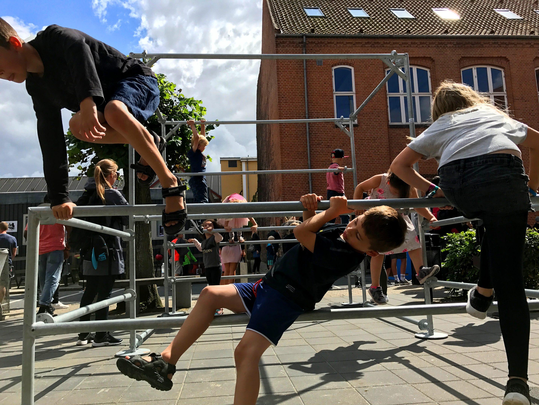 Ungerne legede på Parkour stativet Street Attack 2017 i silkeborg